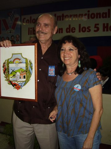 Holguín escudo award 2008, with Alicia Jrapko